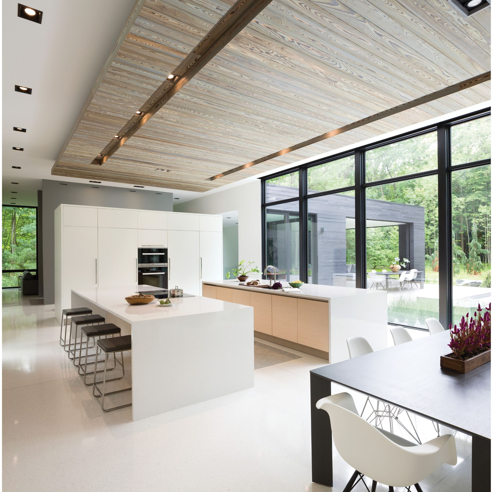 A picture containing indoor, living, ceiling, wall  Description automatically generated